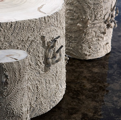Tables d'appoint et sculptures Symbiose