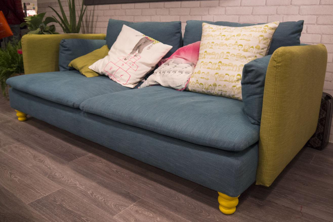 Canapé Ikea customisé par Bemz - Pieds de canapé Prettypegs