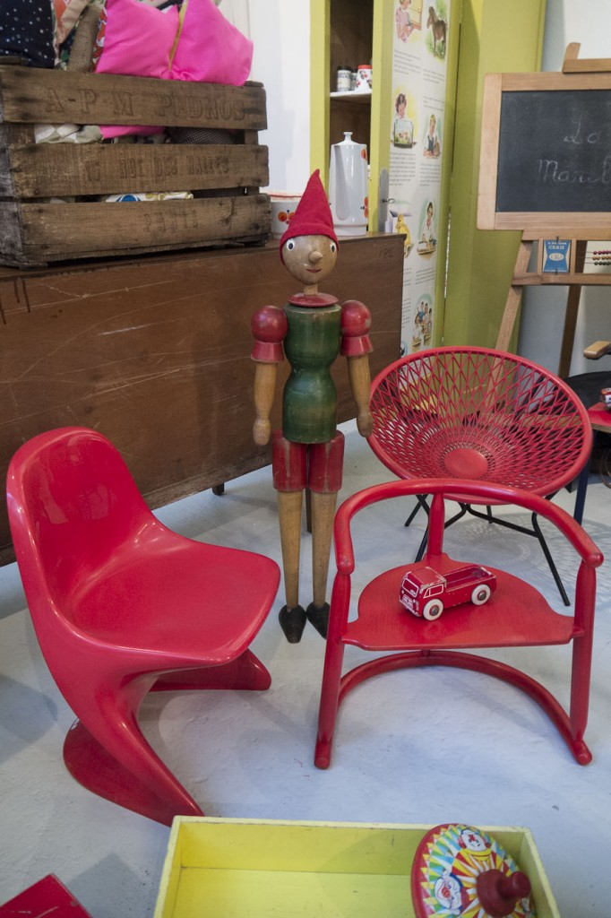 Mobilier vintage pour enfants et jouets La Marelle