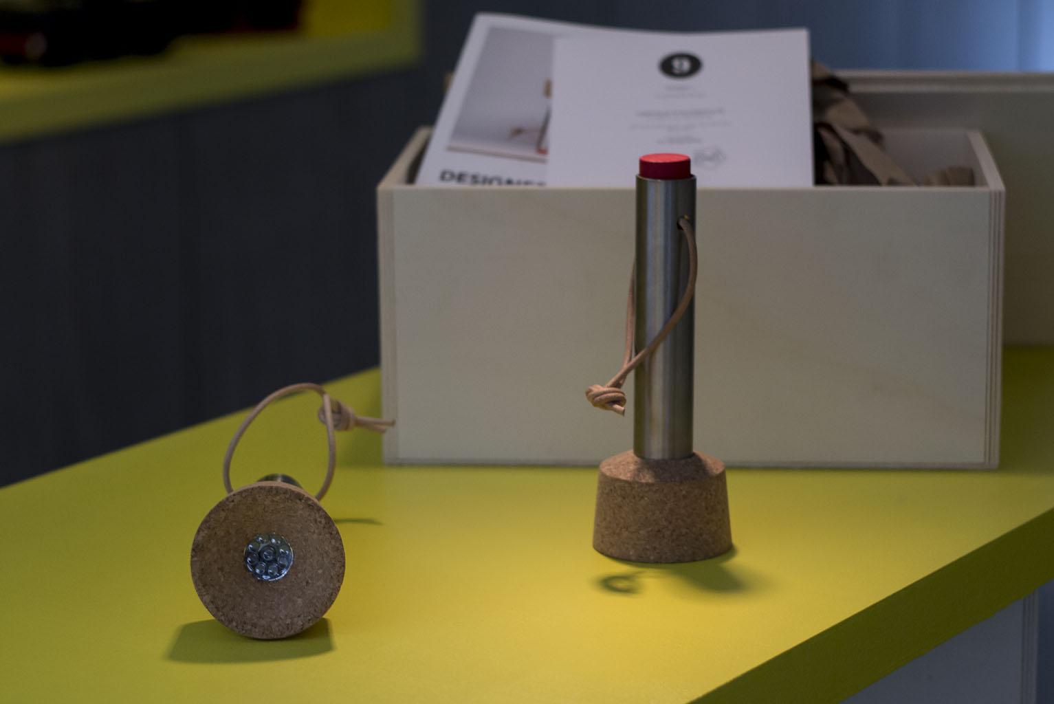Lampe de poche Black Out Light pour Designer Box par 5.5 DesignStudio