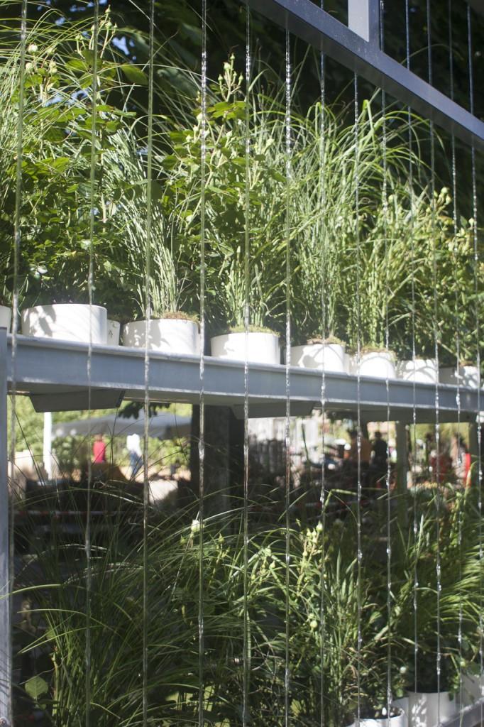 Mur d'eau  Jardin Le bureau fertile par Les Jardins de Gally