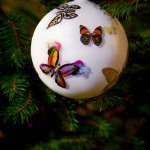 Boules de Noël en porcelaine de Christian Lacroix Maison
