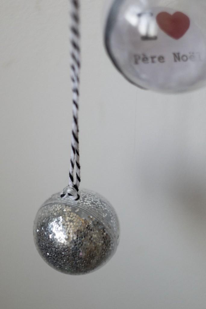 Boule de Noël pailletée