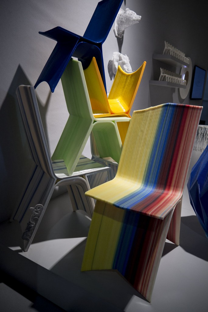 Chaise C1 et C2 rounded par Drawn Furniture Chaises imprimées en 3D aus formes épurées - design by Samuel Javelle