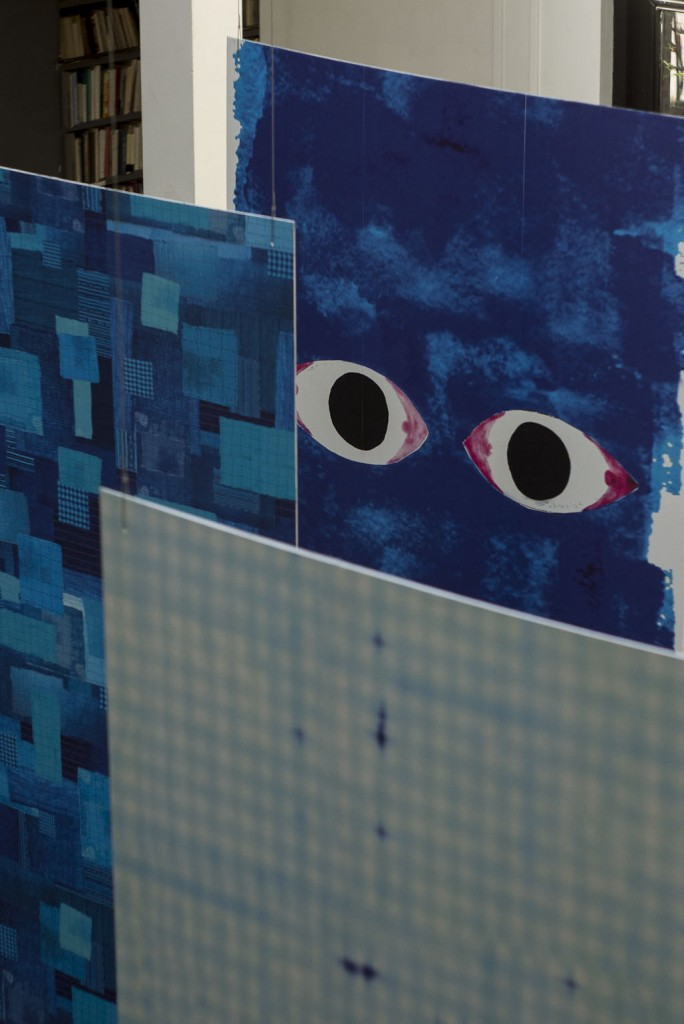 """DOUBLE FACE Papiers peints """"Addiction"""" par Paola Navone et """"Obsession"""" par Daniel Rozensztroch"""