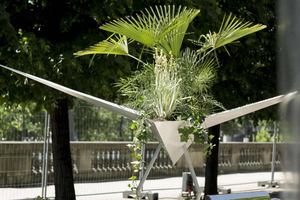Oiseau géant par Alexis Tricoire - Prototype de jardinière à grande échelle - Jardins Jardin 2015 aux Tuileries - Paris