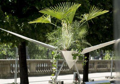 Oiseau g ant par alexis tricoire prototype de jardini re for Jardin urbain wavre 2015