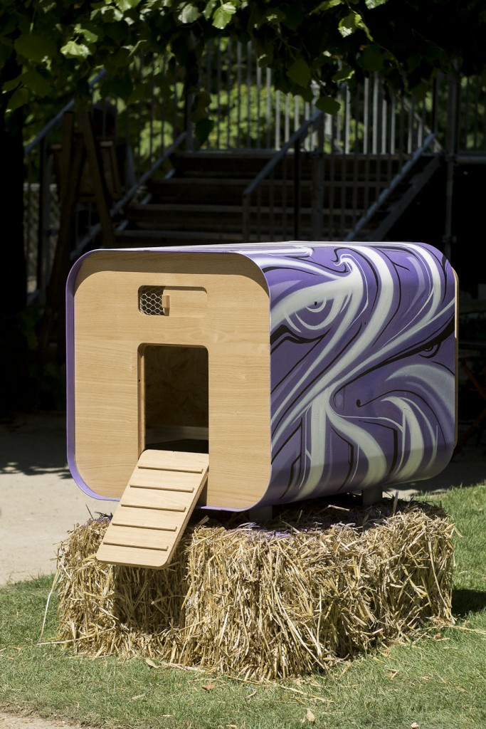 Mini-ferme urbaine revisitée par le graffiti artiste Astro http://astrograff.com/ - Jardins Jardin 2015 aux Tuileries - Paris