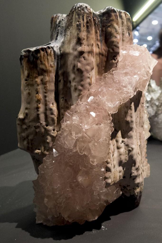 Crystallization vases by Lukas Wegwerth Espace Precious by Elizabeth Leriche