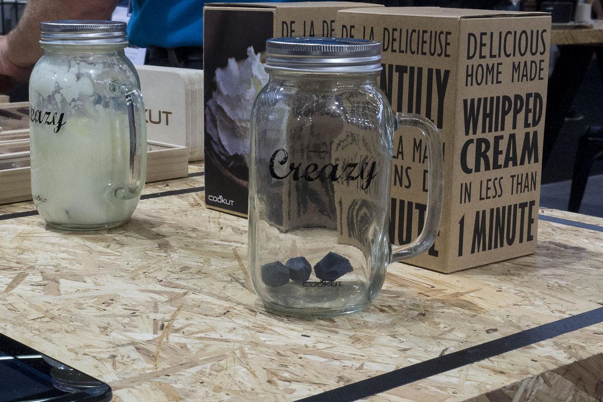 Creazy by Cookut pour réaliser simplement et écologiquement de la crème chantilly en seulement une minute !