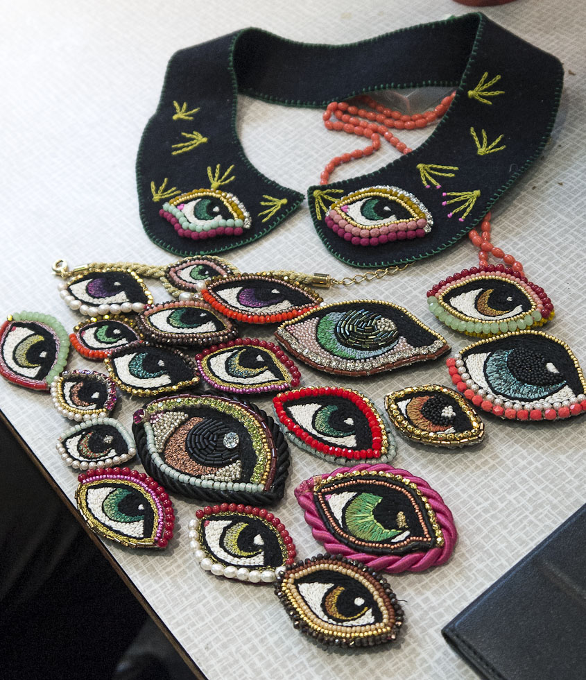 Les yeux brodés de Mlle Héloise de la marque Eté 36