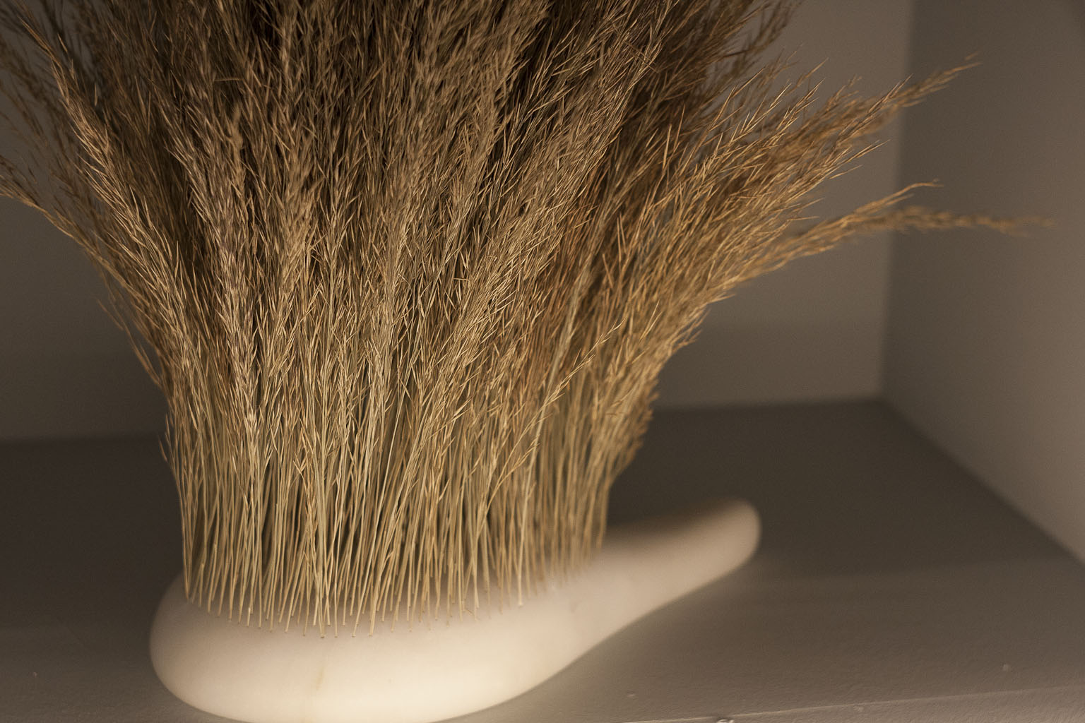 Sensorial Brushes - Najla El Zein - Carpenter's work Shop Gallery - Precious par Elizabeth Leriche