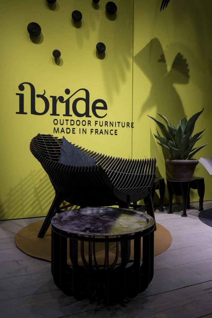 Nouveautés Ibride collection outdoor fauteuil Manta et table basse Medusa